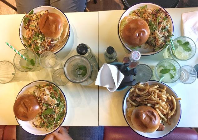 Les burgers du Kokomo delicatessen de Bordeaux et leurs frites !