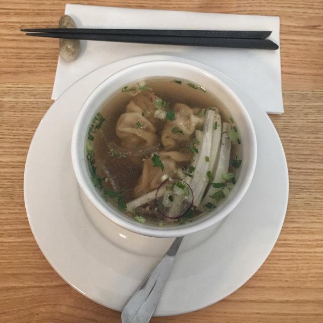 La soupe de ravioli chinois du restaurant 2K à Arcachon