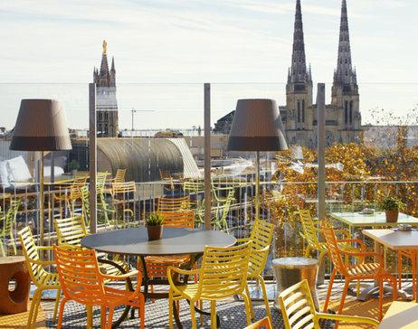 Rooftop et terrasse du mama shelter Bordeaux pour prendre l'apéro