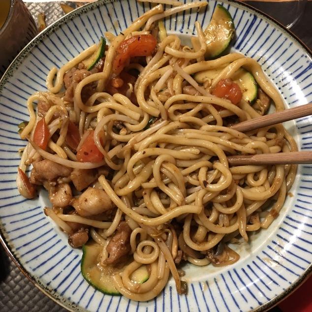 Les nouilles sautées au poulet du restaurant chinois le Wok Way à Bordeaux
